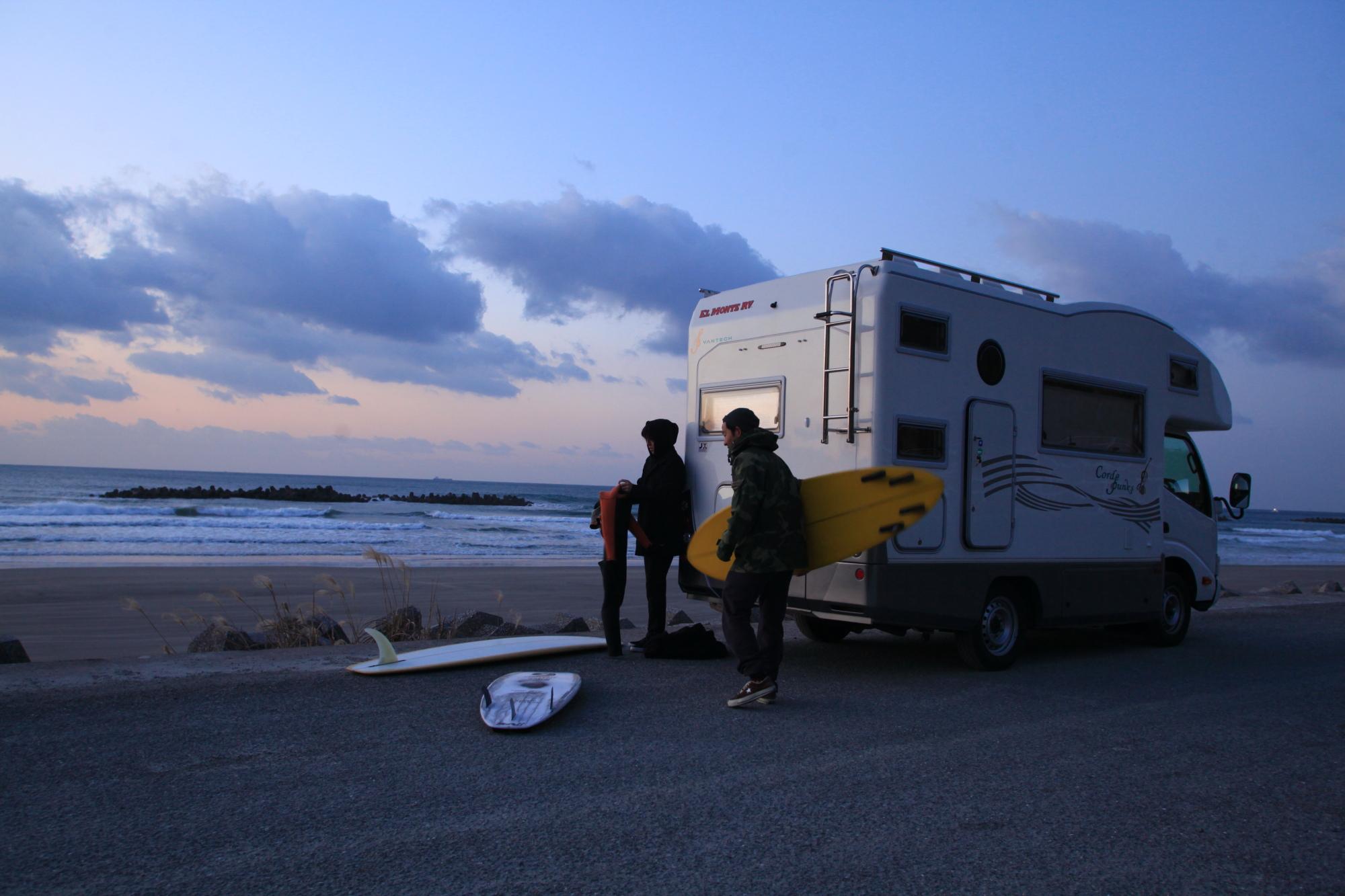 宿泊場所に移動する必要がないので、他のサーファーより遅い時間まで波に乗り、とことん海を楽しむ事ができました。サーフィンで遠征を考えている方は、キャンピングカーのご利用を考えてみてはいかがでしょうか?